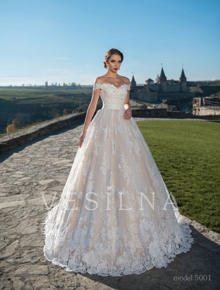 Collection «Flower on the stone»: Wedding dress, model 5001 from Vesilna™ — for wholesale and retail фото