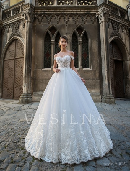 Collection «Flower on the stone»: Wedding dress, model 5002 from Vesilna™ — for wholesale and retail фото