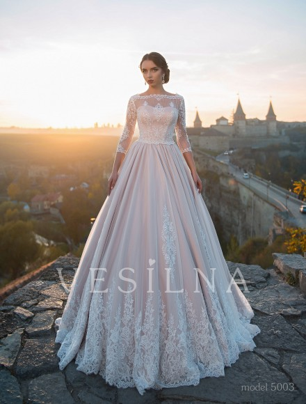 Collection «Flower on the stone»: Wedding dress, model 5003 from Vesilna™ — for wholesale and retail фото
