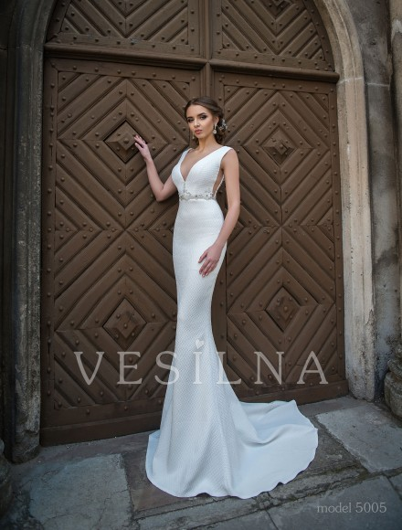 Collection «Flower on the stone»: Wedding dress, model 5005 from Vesilna™ — for wholesale and retail фото