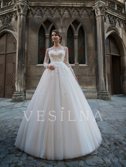 Collection «Flower on the stone»: Wedding dress, model 5012 from Vesilna™ — for wholesale and retail фото
