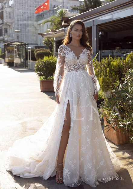 Collection «BLOOMING LOVE»: Wedding dress, model 5201 from Vesilna™ — foto and price фото