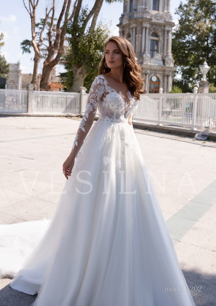 Collection «BLOOMING LOVE»: Wedding dress, model 5202 from Vesilna™ — foto and price фото